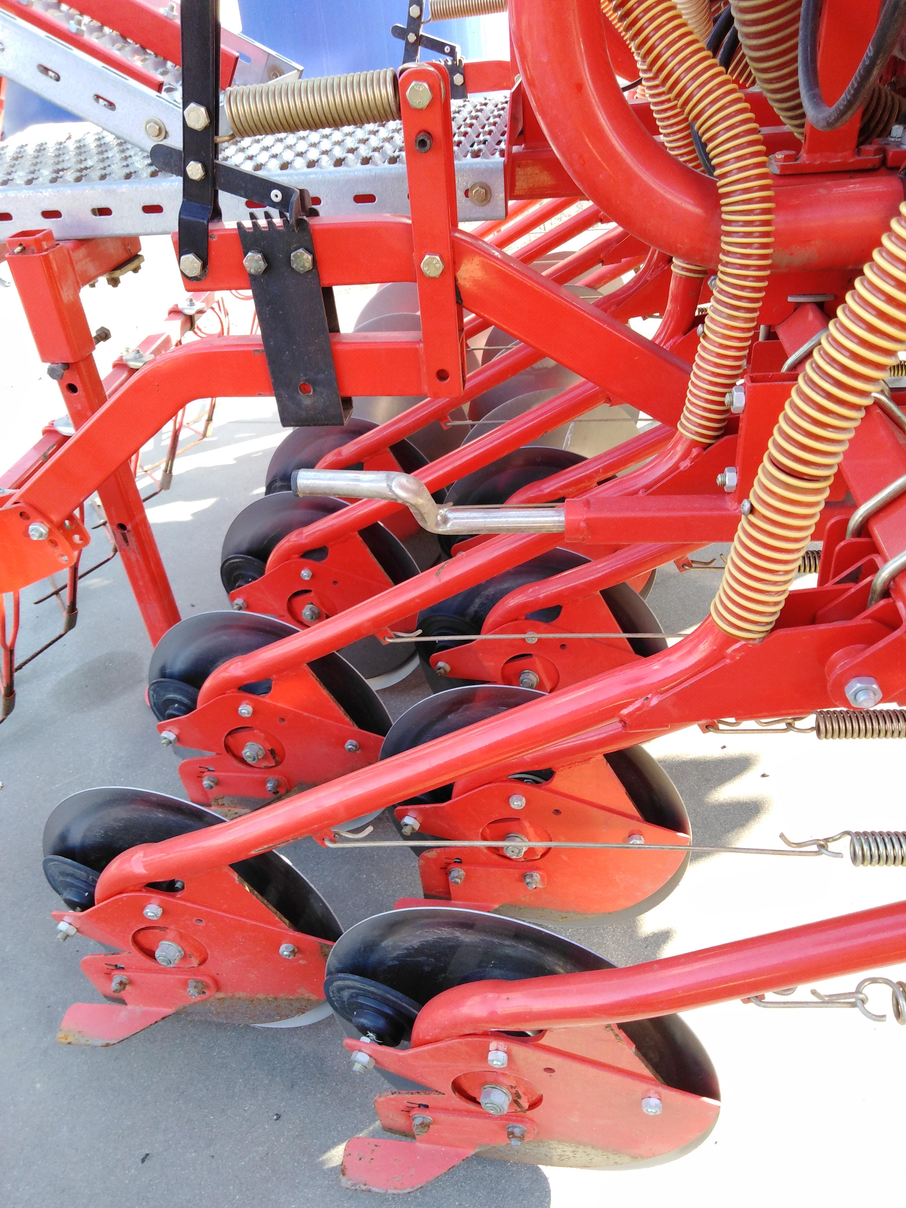 Seminatrice matermacc terrepadane for Gramegna macchine agricole