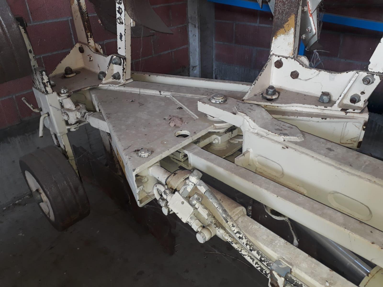 Aratro cma costruzioni macchine agricole terrepadane for Gramegna macchine agricole
